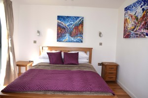 King Size Bed at The Gallery Lodges Hotel